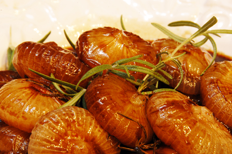 Cippolini Onions Roasted with Balsamic Vinegar and Honey