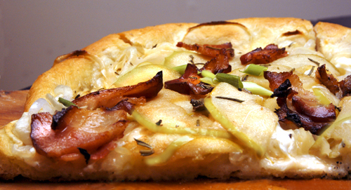 Apple, Bacon and Onion Pizza
